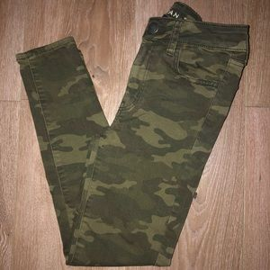 American Eagle Camouflage Jeggings In Size 0